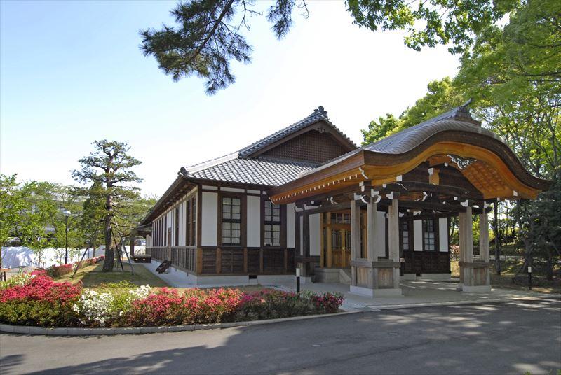 【記念館】国立時代の大正建築の神宮皇學館本館を保存し、創設からの貴重な歴史資料を展示しています。
